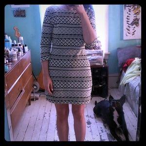 Dress, Form Fitting Black&White Pattern